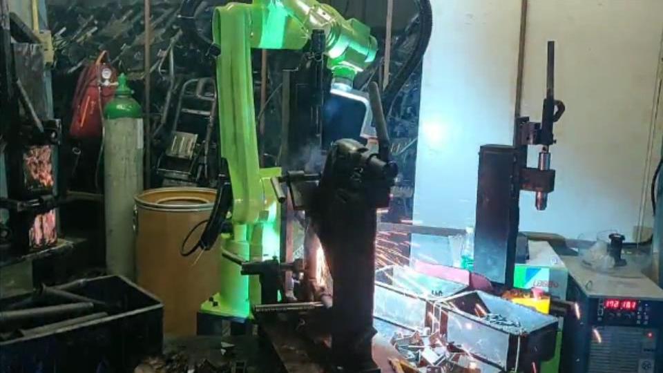 焊接机器人的优势
